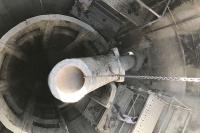 Extraction d'un conduit dans une cuve