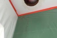 trémie dans un plafond